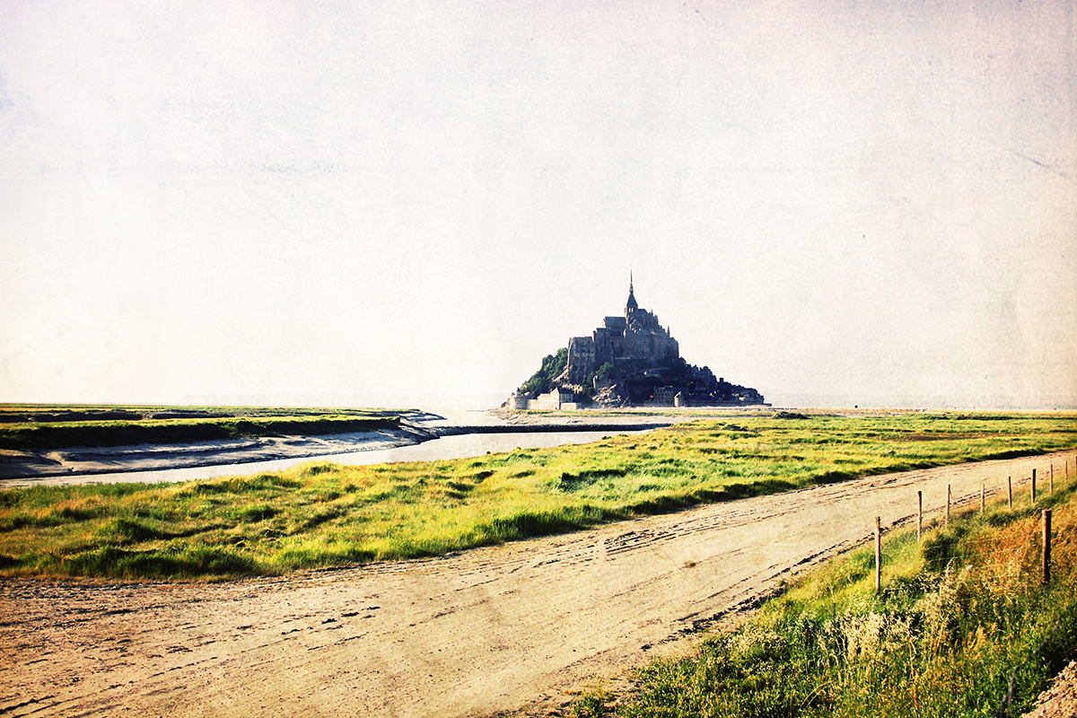 Le Mont Saint-Michel: A Magical Monument to France's Past